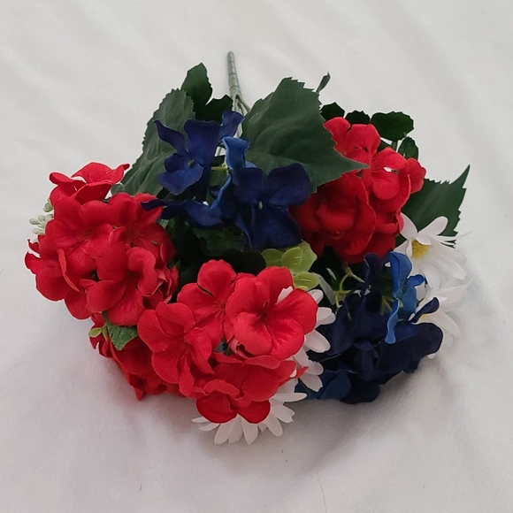 Other - Red, White, & Blue Flowers 💐